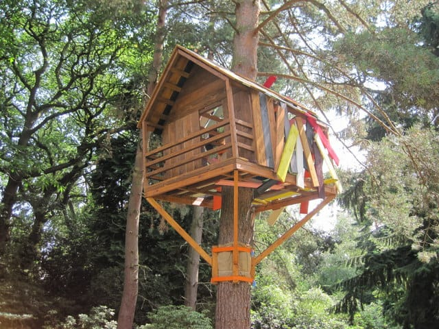 building a treehouse part 2 on treehouses. Black Bedroom Furniture Sets. Home Design Ideas
